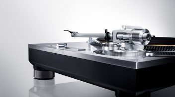 Direct Drive turntabe from Technics
